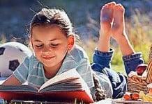 femije qe lexon (foto)