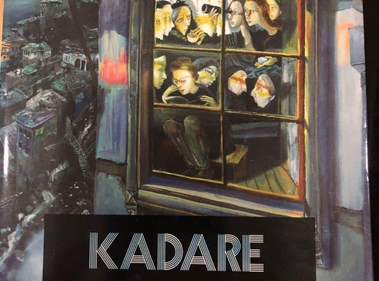 Magjia e Kronikë në Gur, Ismail Kadare