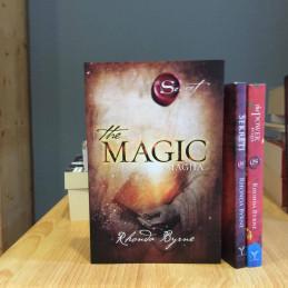 Tre libra të Rhonda Byrne...