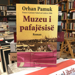 Muzeu i pafajësisë, Orhan Pamuk