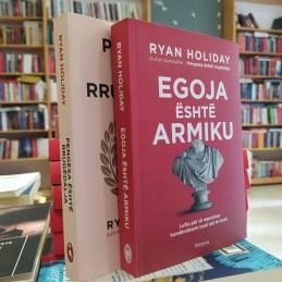Dy libra të Ryan Holiday me...