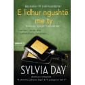 E lidhur ngushte me ty, Sylvia Day